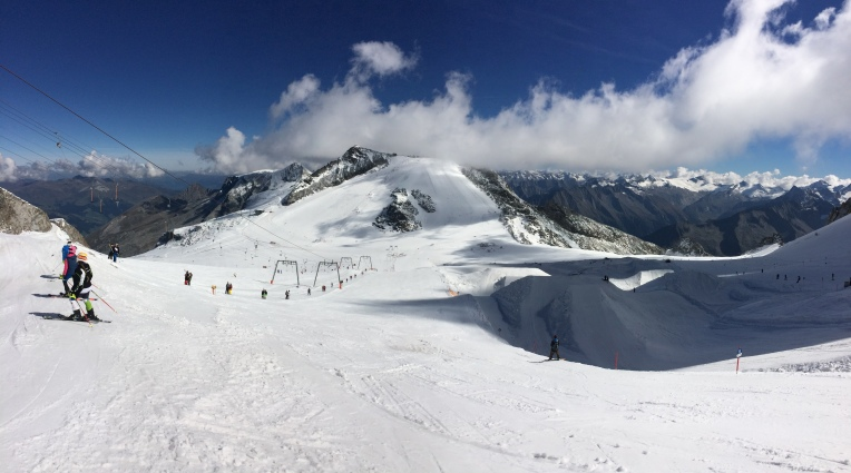 View of the Hintertux glacier from the top of the Olperer t-bars