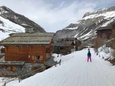 Skiing into Val d'Isère village