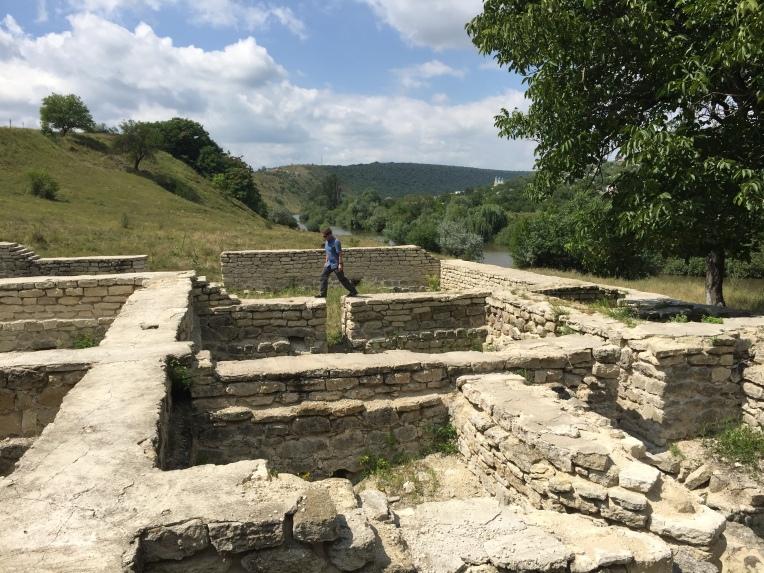 Exploring the old Tatar bathhouse in Orheiul Vechi