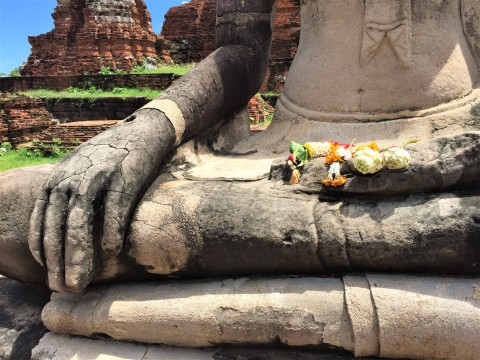 One of the many Buddhas at Wat Mahathat