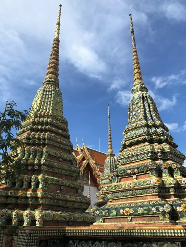 Several of the chedis at Wat Pho
