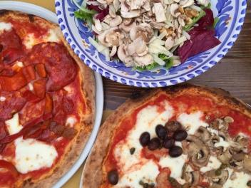 Pizza from Pizzeria Casa Pinto in Locorotondo