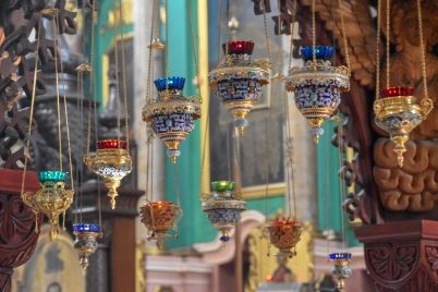 Lanterns hanging above the crypt of saints Anthony, John and Eustatius in the Orthodox Church of the Holy Spirit