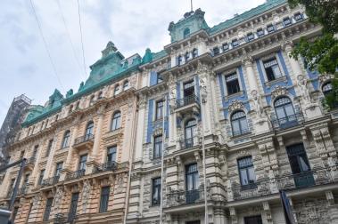 Art Nouveau buildings on Strēlnieku iela